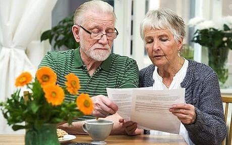 Повышение пенсии работающим пенсионерам в 2016 году с 1 февраля